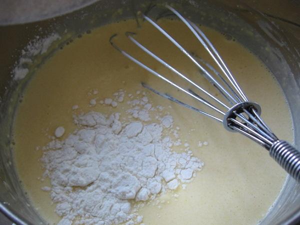 Пирог Зебра на кефире в духовке, мультиварке. Рецепт с манкой, разрыхлителем, сгущенкой, маслом