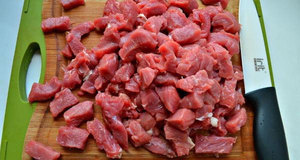 Плов в казане на плите из курицы, свинины, говядины, баранины. Рецепт с фото