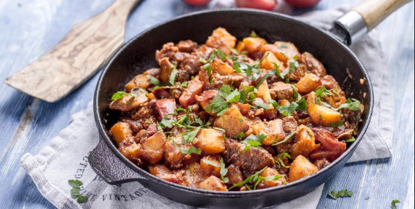 Рагу из свинины с картошкой. Рецепты в мультиварке, духовке, кастрюле, на сковороде