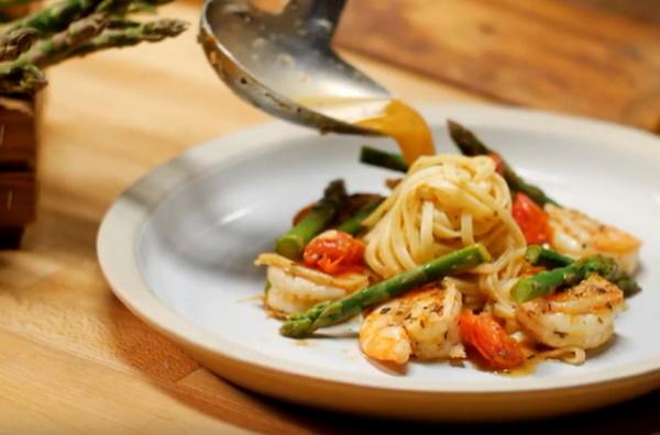 Рецепты от Константина Ивлева для дома кулинарные с фото простые и вкусные. Сырники, салаты, Цезарь, блины, картофельные вафли и другие