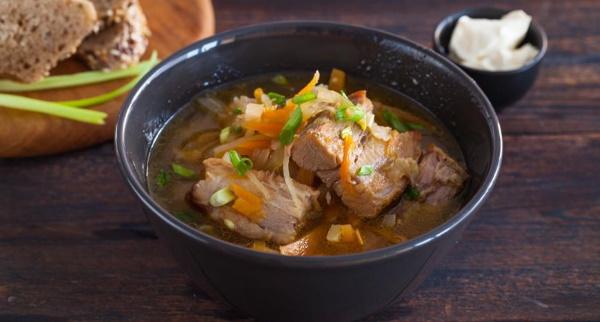 Щи из квашеной капусты. Как готовить классический, со свининой, грибами, курицей в мультиварке, скороварке