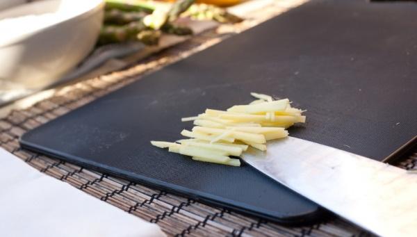 Том Кха. Рецепт с кокосовым молоком, креветками, курицей, морепродуктами. Фото