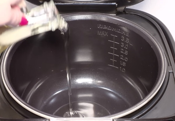 Жульен (жюльен) с грибами и сыром на сковороде, в духовке. Рецепты со сливками, сметаной, курицей