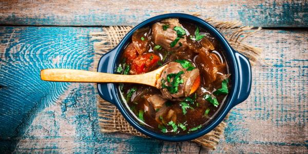 Мясо в горшочке с овощами в духовке, микроволновке. Рецепт с картошкой и без, грибами, сыром