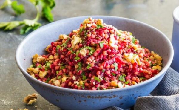 Подливка для гречки. Рецепт с мясом, курицей, котлетами, томатной пастой
