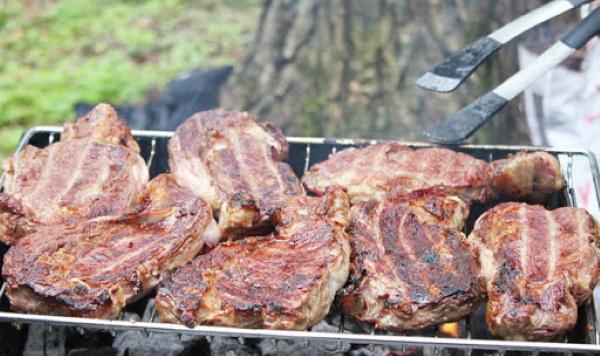 Стейк из вырезки говядины. Рецепт на сковороде, гриле, электрогриле, мангале