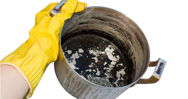 Как отмыть подгоревшую кастрюлю из нержавейки, алюминиевую, эмалированную от черноты, нагара