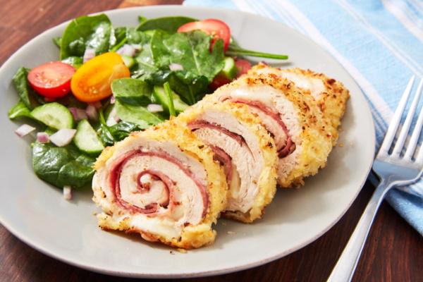 Кордон Блю из курицы с сыром, ветчиной, грибами, ананасом в духовке, на сковороде