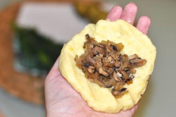 Котлеты из картошки. Самые вкусные рецепты в мундире с начинкой, фаршем