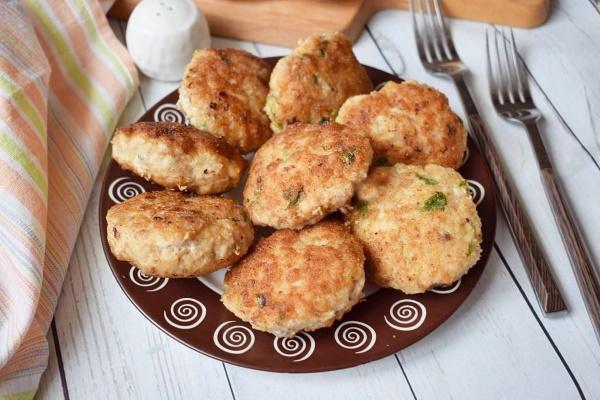 Котлеты из курицы и свинины вкусные, сочные на сковороде, в духовке, мультиварке