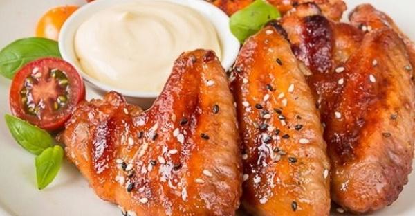 Крылышки в соевом соусе в духовке, на мангале, сковороде с медом, кунжутом, горчицей, чесноком
