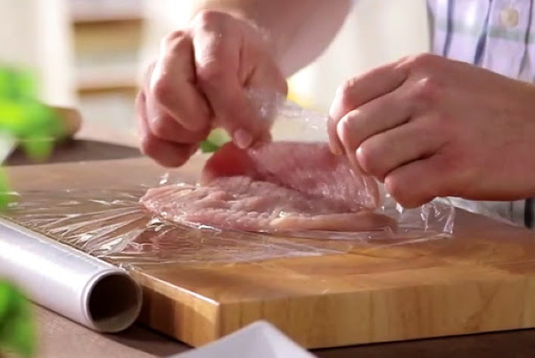 Куриный рулет с сыром в духовке в фольге, мультиварке с зеленью, грибами, ветчиной