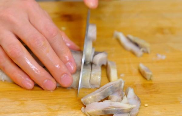 Начинки для рыбного пирога. Рецепт из красной рыбы, трески, консервов, минтая, с рисом, яйцами, капустой, картошкой