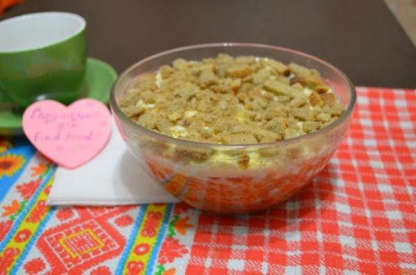 Салаты с килькой в томатном соусе. Рецепт на зиму с сухариками, морковью, фасолью, зеленым горошком