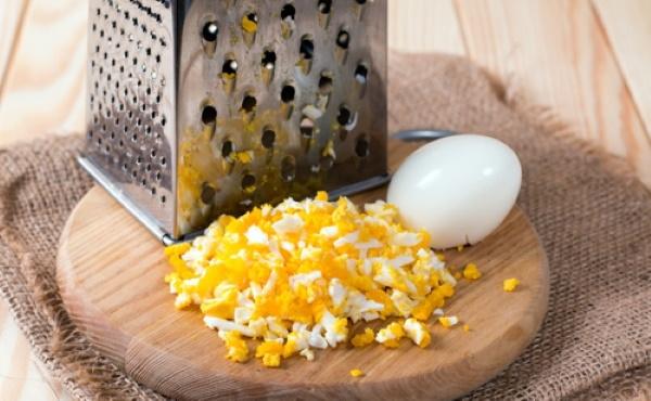 Салаты с крабовыми палочками и морской капустой. Рецепт с яйцом, кукурузой, огурцом, фасолью