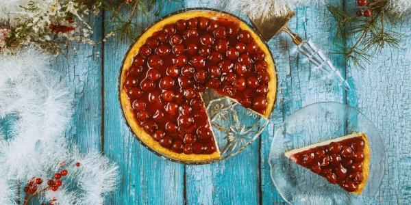 Тирольский пирог. Рецепт классический с ягодами, вишней, клубникой, малиной. Фото