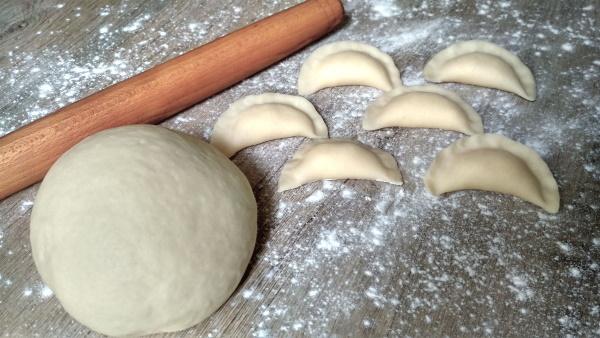 Вареники с картошкой и грибами. Пошаговый рецепт постных, с жареным луком, салом, сыром