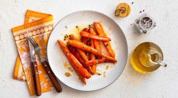Запеченная морковь в духовке, мультиварке с медом, специями, чесноком, свеклой