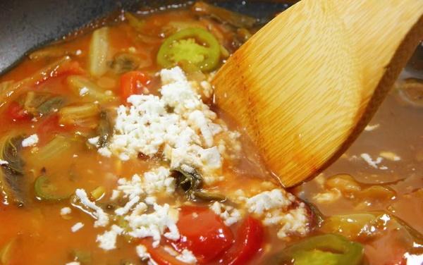 Как убрать остроту из блюда с мясом, рисом, капустой, картофелем от перца, аджики
