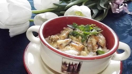 Мидии в сливочно-чесночном соусе на сковороде очищенные. Рецепт с макаронами, спагетти, сыром
