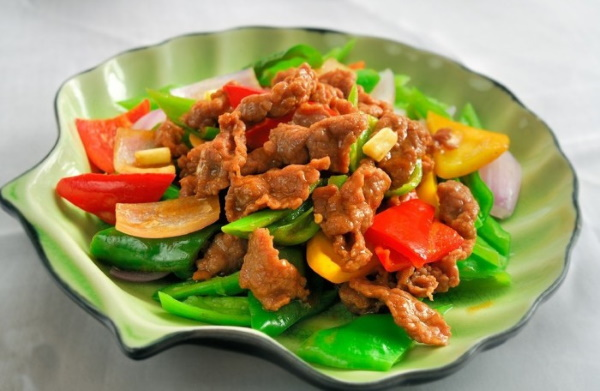 Поджарка свиная. Как приготовить в мультиварке, духовке, на сковороде с луком, грибами, овощами