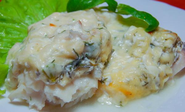 Рыба по-царски в духовке. Рецепт с картошкой, сметаной, икрой, грибами