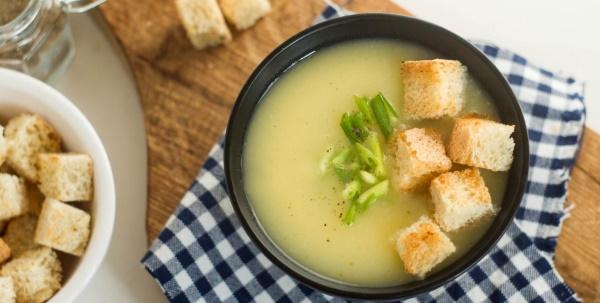 Суп-пюре куриный с картофелем, сливками, сыром, грибами, кабачками