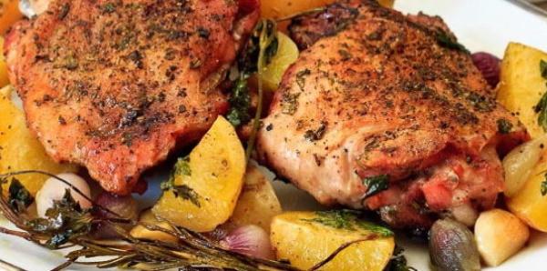 Бедро индейки в духовке. Рецепт в фольге, рукаве с овощами, сыром, грибами