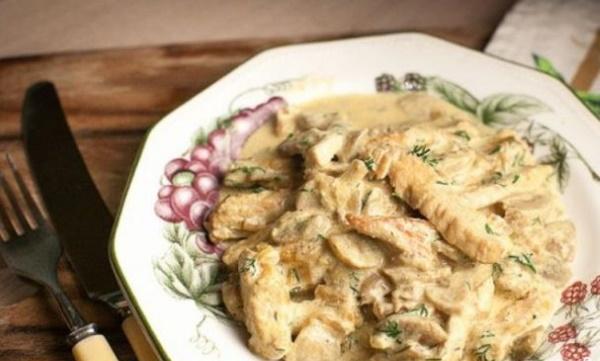 Индейка в сливочном соусе в духовке сочная, мягкая. Рецепты с фото