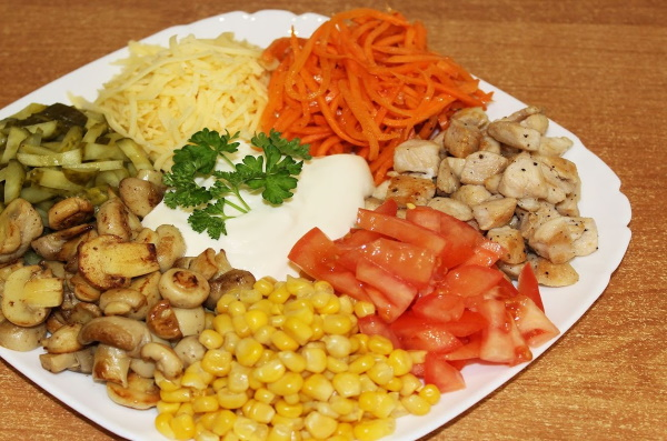 Салат Цветик-семицветик. Рецепты с фото с корейской морковкой, чипсами, сырой свеклой, овощной