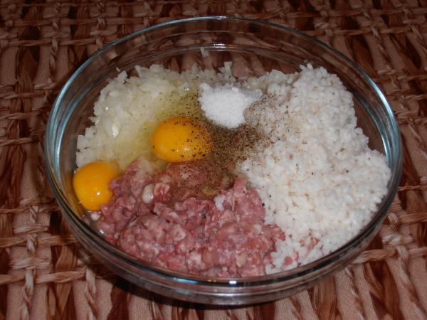 Тефтели с рисом. Рецепт классический в духовке, мультиварке