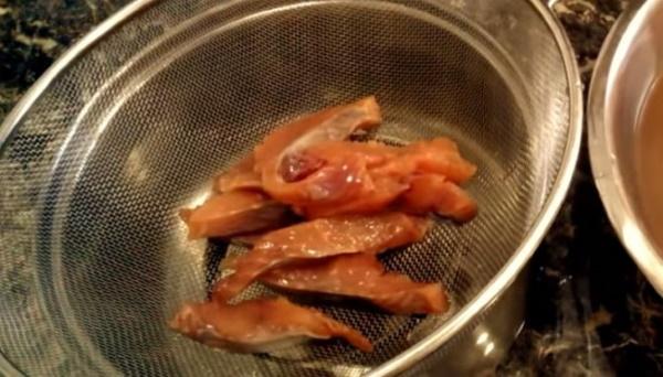 Засолка брюшек семги в домашних условиях. Рецепт в рассоле, соли