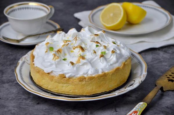 Пирог с лимоном. Рецепты наивкуснейшие с фото
