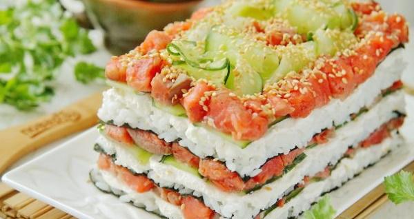 Салат Филадельфия. Рецепт с семгой, сыром, авокадо