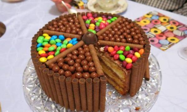 Торты из сладостей для мальчика 5-10 лет